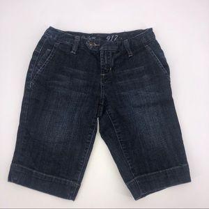 🍒 The Limited Dark Wash Bermuda Denim Shorts 2